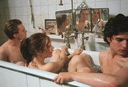 فيلم الرومانسية الرائع Lucia للكبار